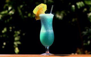 Голубые гавайи коктейль: история создания, состав, рецепт приготовления экзотического алкогольного напитка
