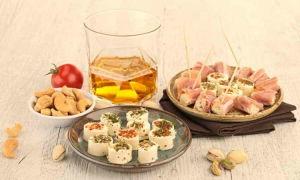 Как правильно пить и чем закусывать коньяк чтобы не опьянеть — рецепты блюд на скорую руку и список правильных закусок