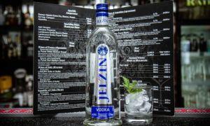 Коньяк Шустов: описание и виды напитка, стоимость, как правильно выбрать и пить знаменитый алкоголь